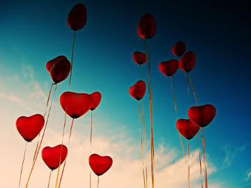 palloncini cuori volano